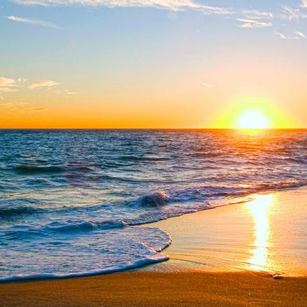 Sunset on a Los Angeles beach nearby Playa Vista, where you can find our Furnished Apartments in Los Angeles.