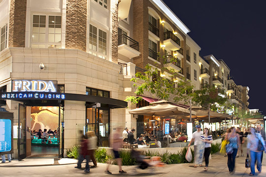Shoppers at Americana Glendale. Enjoy nearby shopping and amusements with a Short Term Rental in Los Angeles.