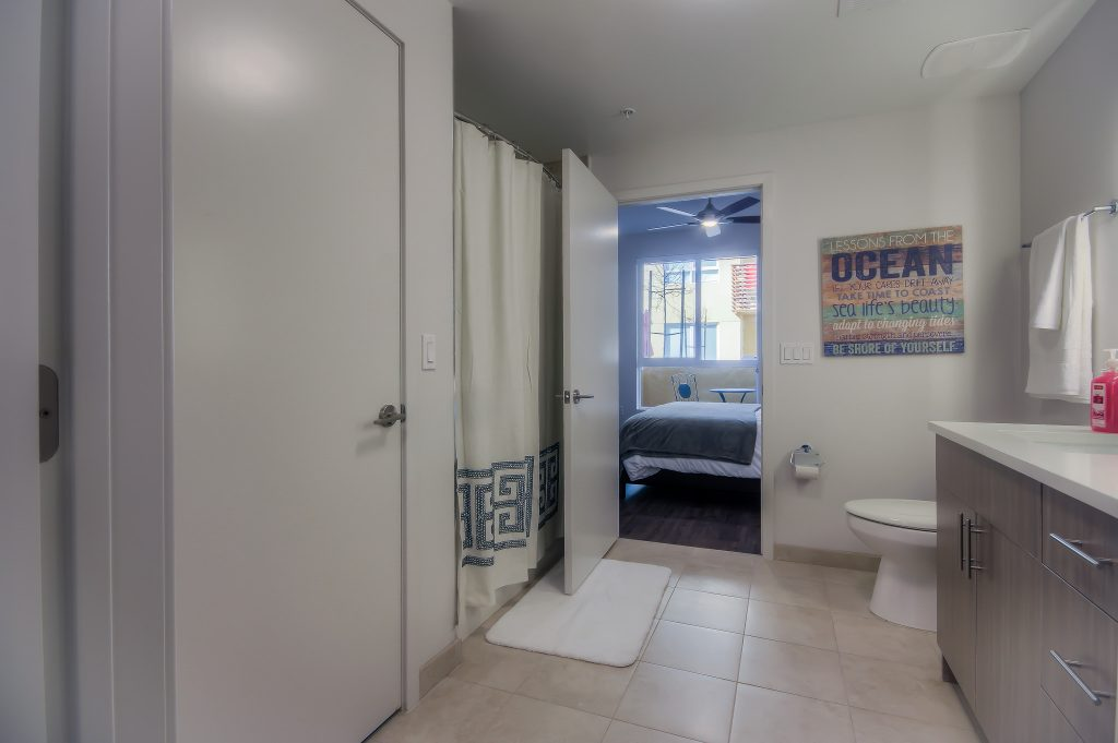 Luxurious bathrooms in every unit at Bedford Corporate Housing's property in Playa Vista. For the best corporate housing in Los Angeles, contact Bedford.