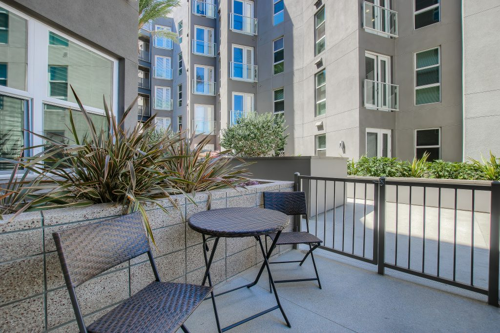 Beautiful views in every unit at Bedford Corporate Housing's property in Glendale Galleria. For the best short term apartments in Los Angeles, contact Bedford.