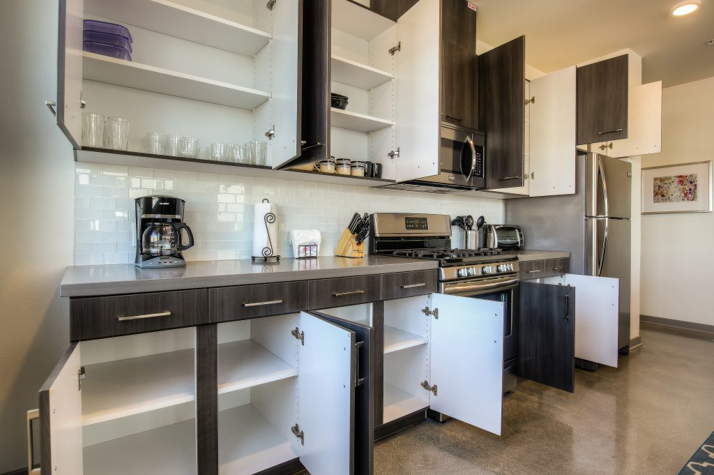Spacious furnished kitchens in every unit at Bedford Corporate Housing's property in Glendale Galleria. For the best furnished apartments in Los Angeles, contact Bedford.