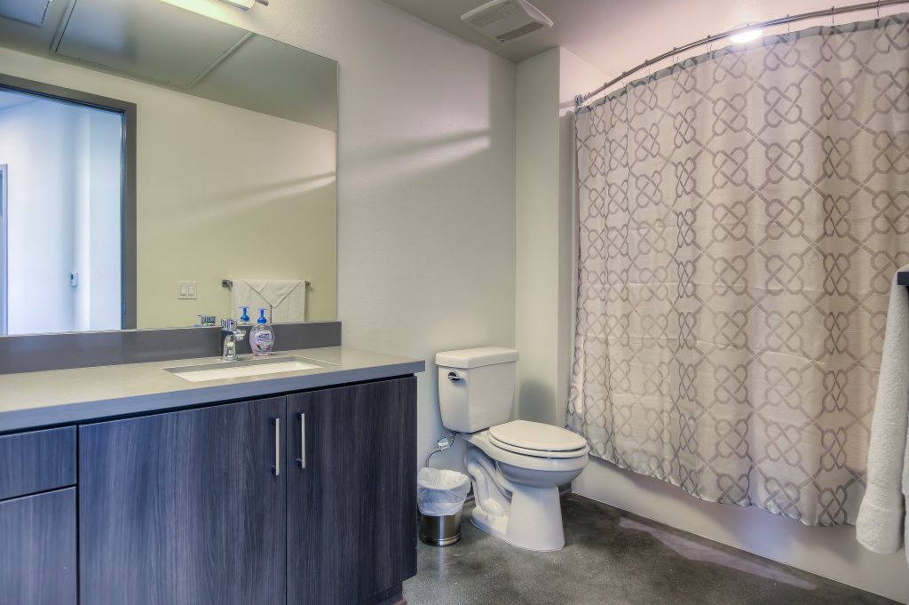 Furnished bathrooms in every unit at Bedford Corporate Housing's property in Glendale Galleria. For the best corporate apartments in Los Angeles, contact Bedford.