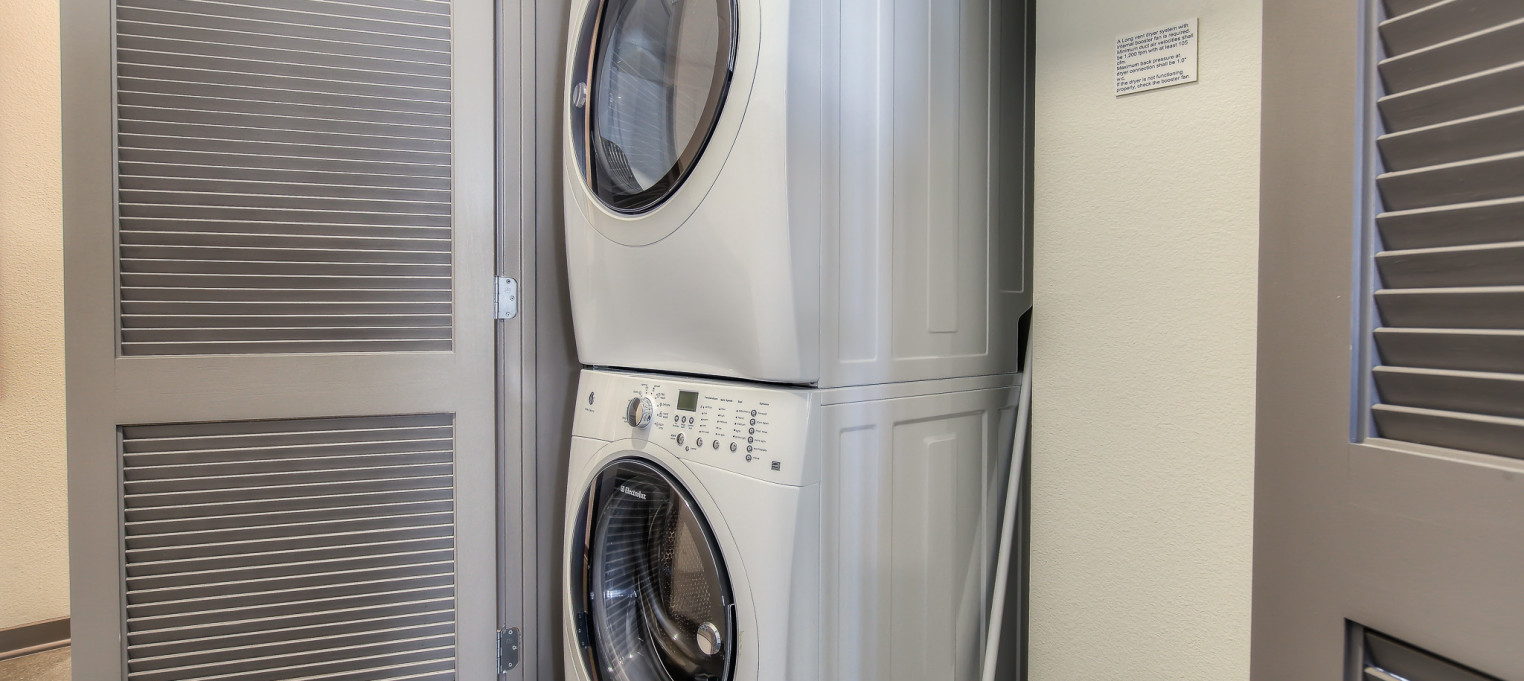 Laundry and amenities in every unit at Bedford Corporate Housing's property in Glendale Galleria. For the best short term lease in Los Angeles, contact Bedford.