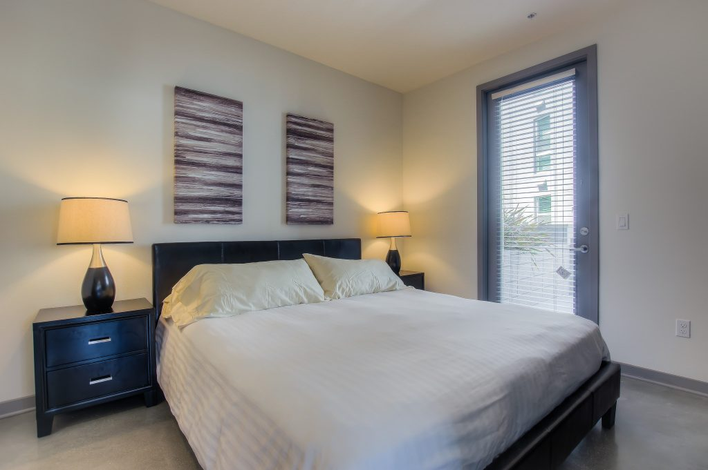 Beautiful bedrooms in every unit at Bedford Corporate Housing's property in Glendale Galleria. For the best temporary housing in Los Angeles, contact Bedford.