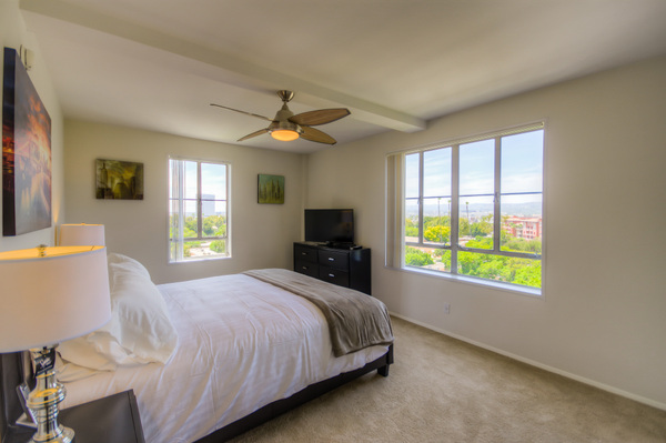 Furnished bedrooms at Bedford Corporate Housing's property in Hollywood near The Grove Towers. For the best temporary housing in Los Angeles, contact Bedford.