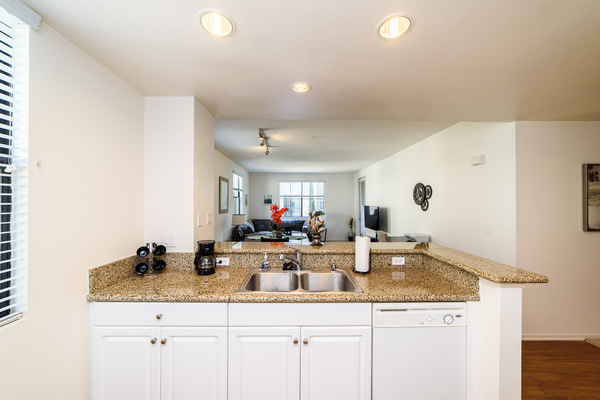 Furnished kitchens in every unit at Bedford Corporate Housing's property at Irvine Village. For the best Furnished Apartments in Los Angeles, contact Bedford.