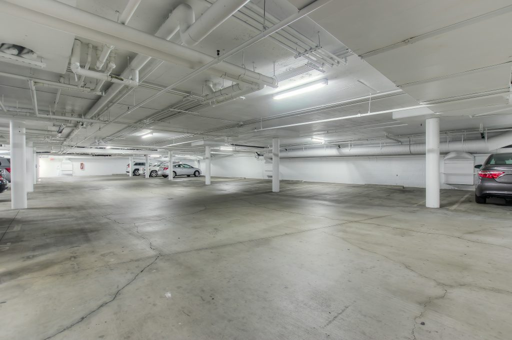 Parking space included with every unit at Bedford Corporate Housing's property in Beverly Hills near Cedars Sinai. For the best Furnished Rentals in Los Angeles, contact Bedford.