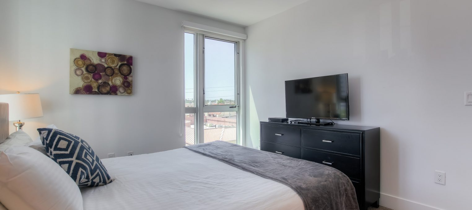 Furnished bedrooms in every unit at Bedford Corporate Housing's property in Brentwood. For the best Short Term Rental in Los Angeles, contact Bedford.