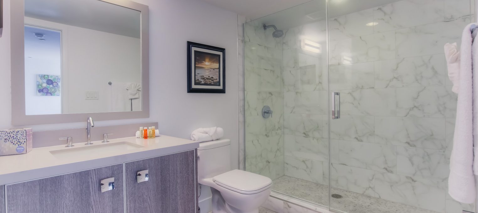 Furnished bathrooms in every unit at Bedford Corporate Housing's property in Brentwood. For the best Short Term Rental in Los Angeles, contact Bedford.